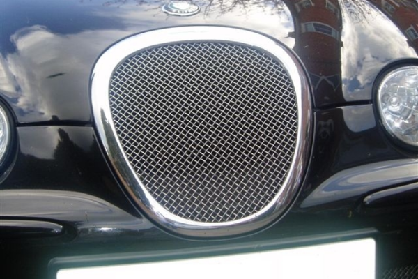Jaguar S Type Mesh Grille - chrome surround - used (1999 - 2004 Models)
